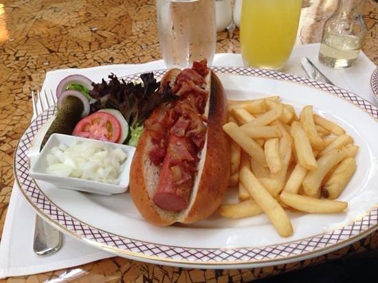 The Peninsula Manila: best hot dog i ever had