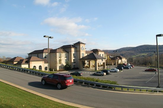 Comfort Inn & Suites at the Ballpark: Country Inn & Suites Cooperstown
