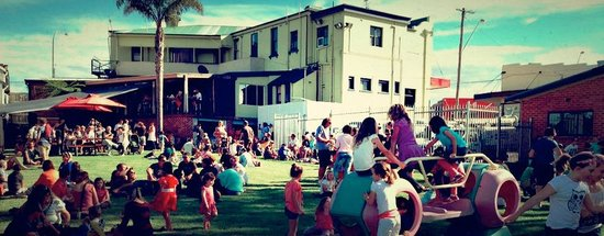 The Commercial Hotel Milton : Family Fun Day in the Beer Garden