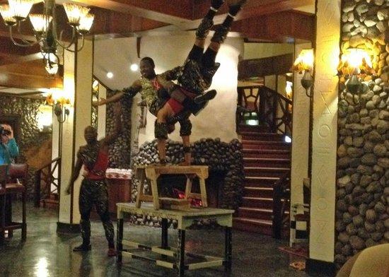 Ngorongoro Serena Safari Lodge: Entertainment