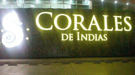 Corales de Indias : Entrada del hotel