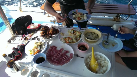 Phuket Fishing Charters : great lunch on boat