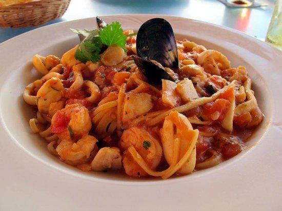 Savio's Bistro by La Dolce Vita: Massa com frutos do mar... Hummm, delícia...