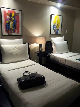 Movenpick Hotel Mactan Island Cebu : The second bedroom in the suite