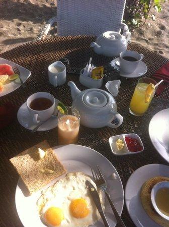 Amertha Bali Villas : breakfast