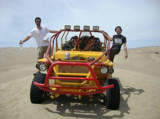 NAZCA PERU 4X4: Passenado de 4x4 pelas dunas de Nazca.
