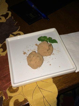Red Clover Inn & Restaurant: Frangelico Truffles - amazing!!