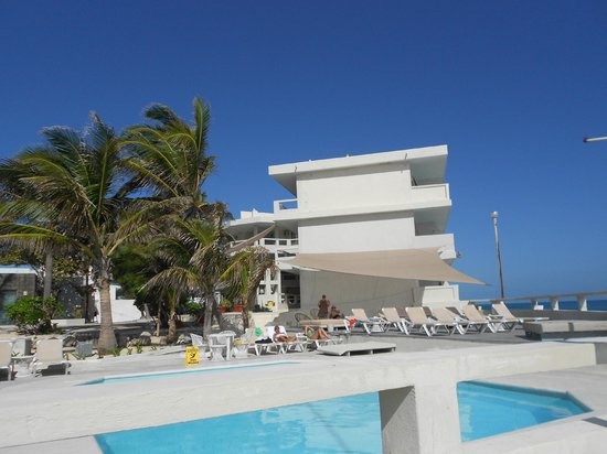 Hotel Rocamar: pool and hotel
