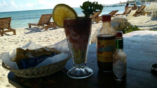 Blue Kay Mahahual: Servicio de playa