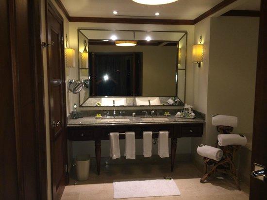 Real InterContinental Costa Rica at Multiplaza Mall: Bathroom