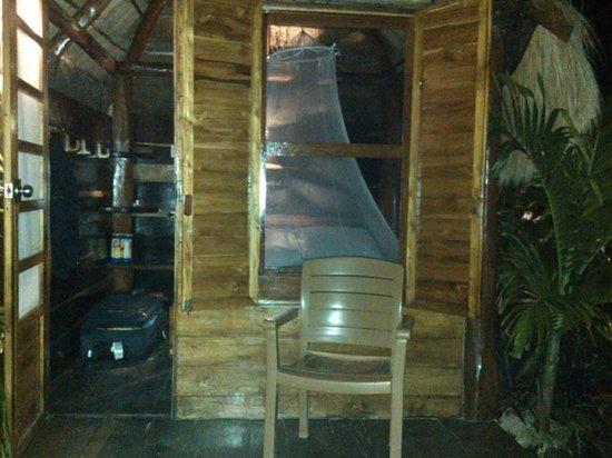 Blue Kay Mahahual: Vista de la cabaña desde afuera