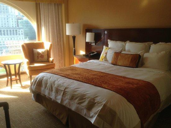 Montreal Marriott Chateau Champlain : Pleasing, comfortable room @ Marriott Chateau Champlain
