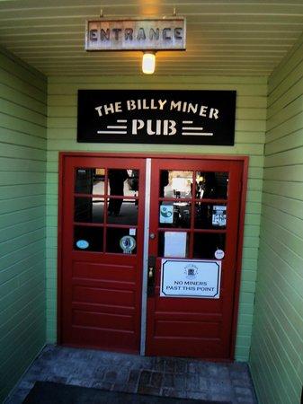 Billy Miner Alehouse & Cafe : Parking Lot Entrance