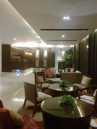 Legacy Suites Sukhumvit by Compass Hospitality: The lobby