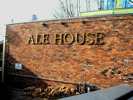 Billy Miner Alehouse & Cafe : Signage