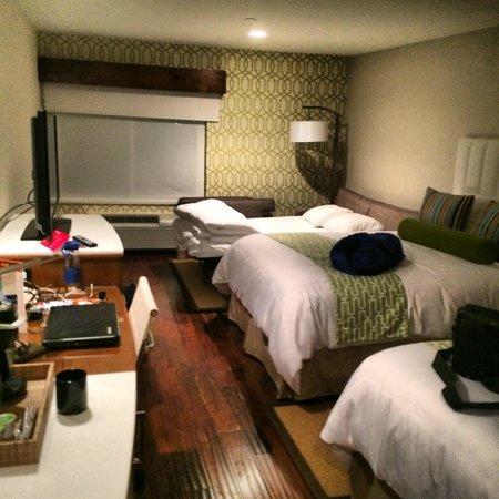 Hotel Indigo Anaheim: Bedroom