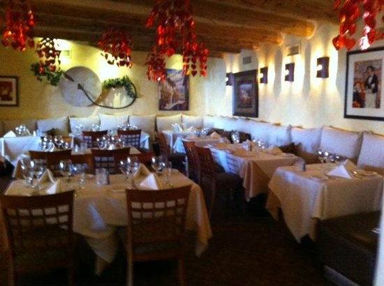 Sammy G's Tuscan Grill: Inside dining room