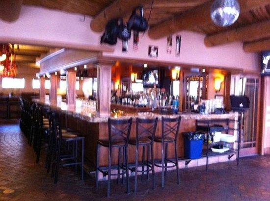 Sammy G's Tuscan Grill: The bar