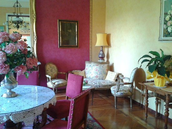 Villa Elisa: Гостиная