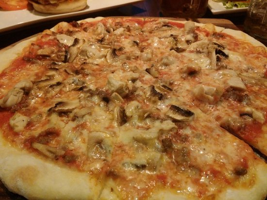 Pizza By Enzo: They're generous with the pizza topping!