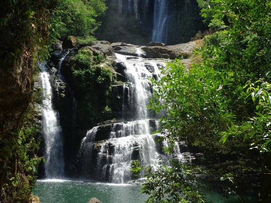 Blue Heaven Rendezvous Bed and Breakfast: Nayuaca Falls
