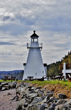 Spencer's Island: Lighthouse at Old Shipyard Beach Campground & Picnic Area
