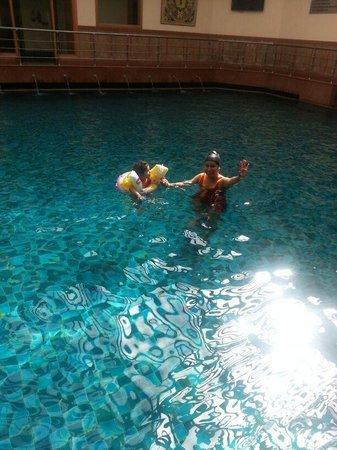 Jaypee Residency Manor: swimming pool