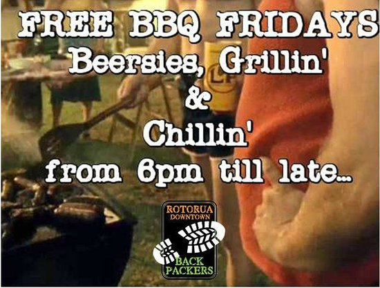 Rotorua Downtown Backpackers : Free BBQ in Summer