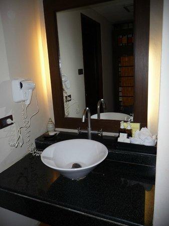 Aonang Princeville Resort: Ванная комната.