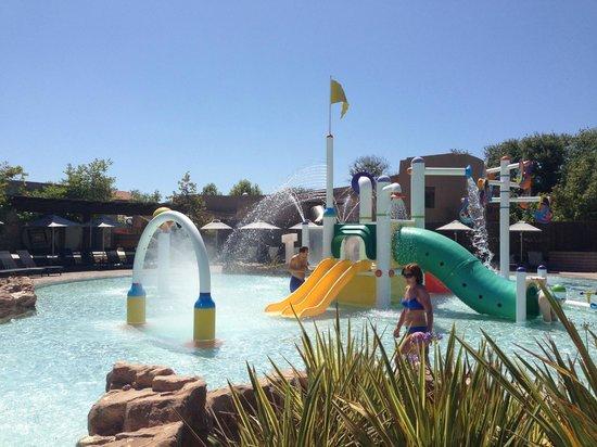 The Romanos Resort, Costa Navarino: аквапарк