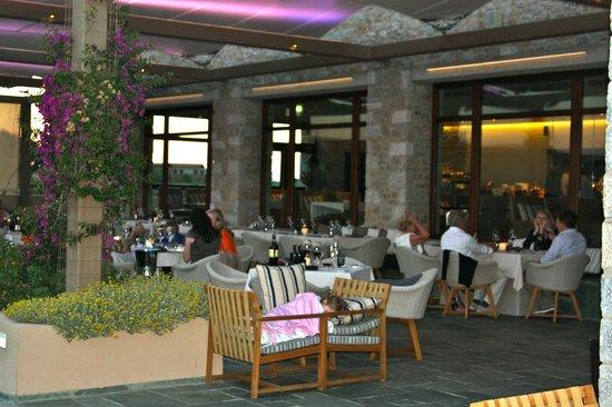 The Romanos Resort, Costa Navarino: ресторан