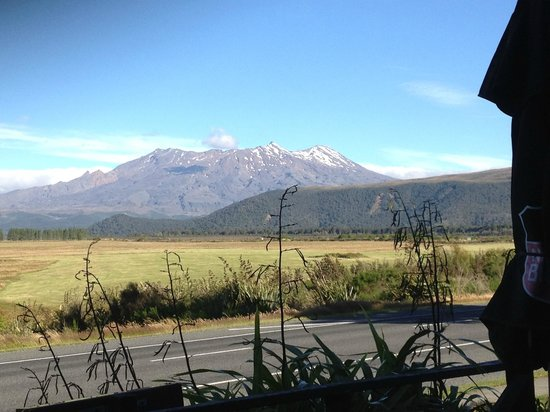 The Park Hotel Ruapehu: Mt Ruapehu from the restaurant and bar