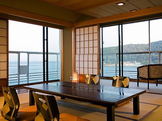 Japanese Style Room Ocean View Picture Of Kaigetsukan Awaji Shima Tripadvisor