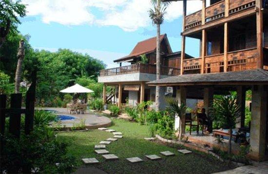 Villa Rumah Kayu: Hotel view from outside