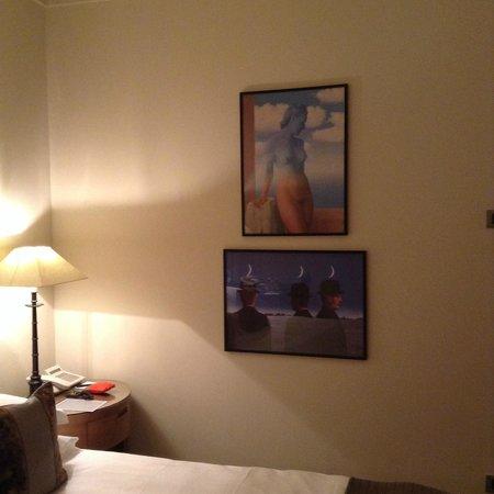 Hotel Amigo : Belgische kunst op de kamer