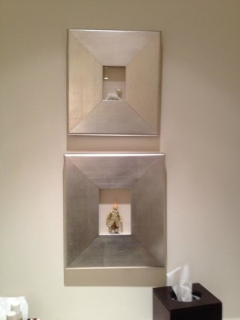 Hotel Amigo : Tin Tin in de badkamer