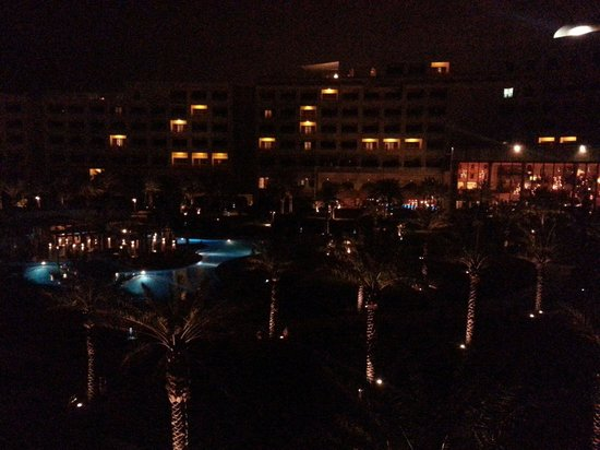 Sofitel Bahrain Zallaq Thalassa Sea & Spa: night view