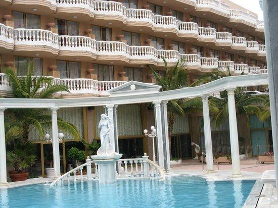 Cleopatra Palace Hotel: отель