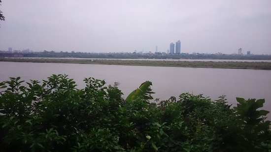 Awesome Homestay Hanoi: Scenic view of the Red River