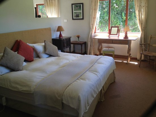 Lemonwood Cottages : One of the rooms overlooking a grogeous view