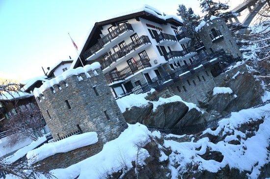Hotel-Apart & Restaurant La Gorge : VUE DE L HOTEL DE DEVANT