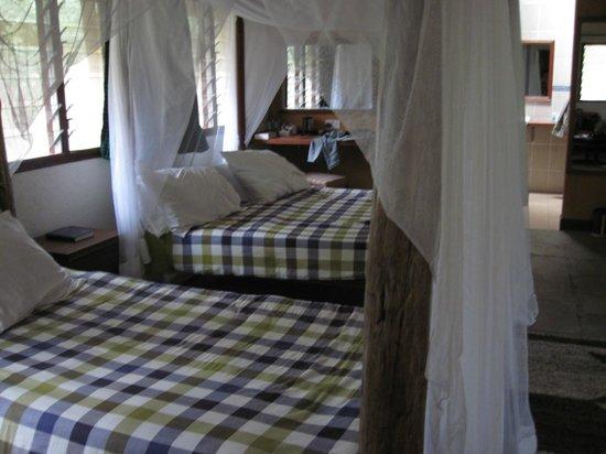 Sentrim Mara Camp: camera