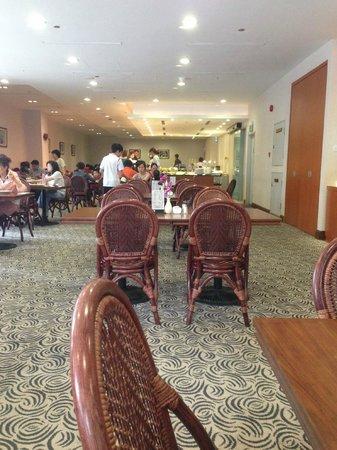 Orchid Hotel: Столовая