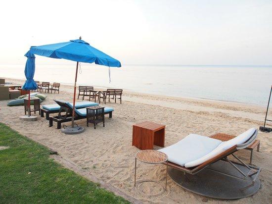 The Sea Koh Samui Boutique Resort & Residences : ชายหาด