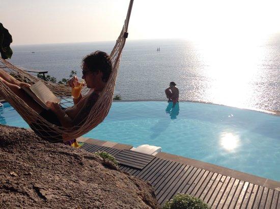 Aminjirah Resort: Reading time at Aminjirah