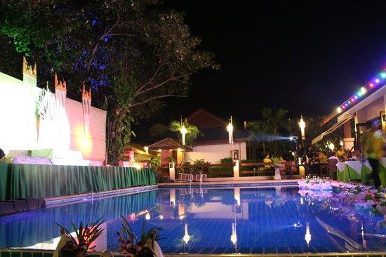 Samui Jasmine Resort: New Year Celebration (swimming pool)