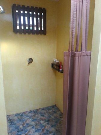 Ban Sainai Resort: Dusche