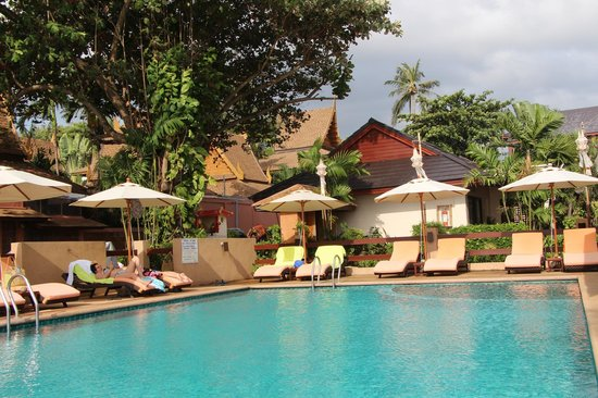 Samui Jasmine Resort : The swimming pool area
