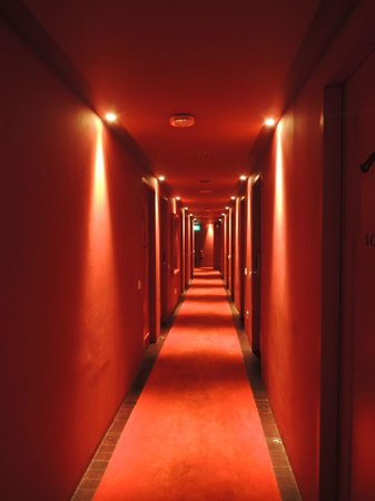 Santa Grand Hotel Lai Chun Yuen: aisle