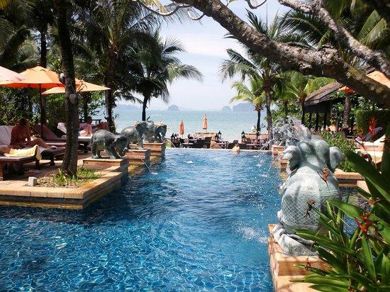 Amari Vogue Krabi: Swimming Pool area